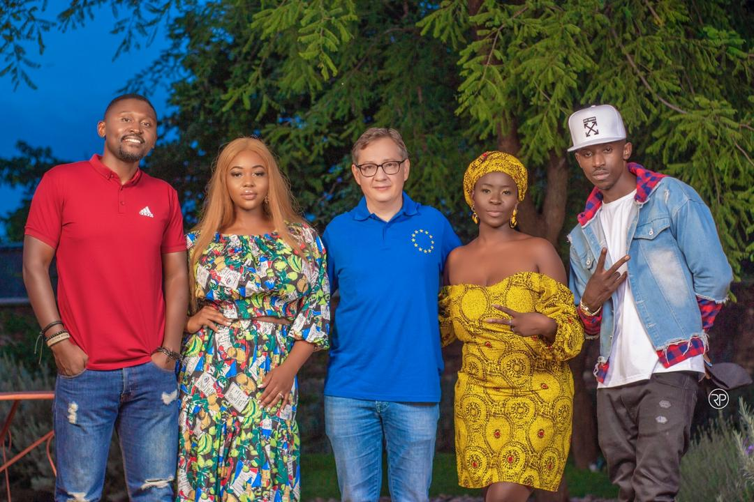 "VIDEO: Wezi, Chef 187, B Flow & Cleo Ice Queen – ""Happy Christmas (Happy New Year)"""